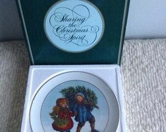 Avon Christmas Plate 1981