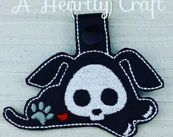 Laying Dog Skelli Skeleton Key Ring Fob Halloween Party Favor Skellie Bones Steampunk Boney