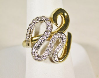 Ladies 14 kt Yellow Gold Designer Diamond Ring