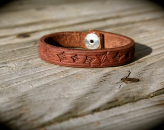 Handmade Brown Hermann Oak Leather Women's Bangle Cuff Bracelet with Geometric Stars Stamping & Snap Closure; Custom Sizes Available!
