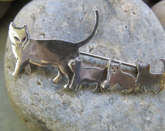 Cat and Kittens Vintage Sterling Silver 925 Brooch Pin