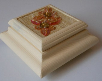 Trinket box/Earring/Ring/Gift/Ornamental box