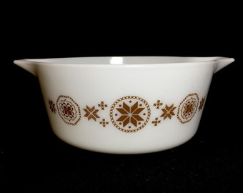 Vintage Pyrex Town and Country Casserole Dish (475) 2.5 quart