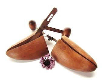 Vintage Shoe Tree/ Wood Shoe Stretcher /Wood Shoe Form #A016