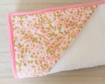 Baby Collection Pink Geometry bath Cape