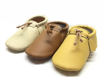 Fall limited edition vegan Baby moccasins, Baby Moccasins faux leather, Soft sole baby shoes