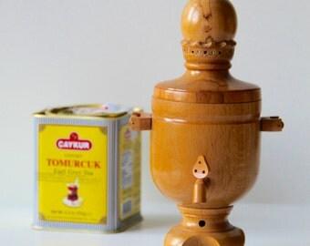 Vintage wooden Soviet deco Samovar - Made in USSR- Der vintage schöne Holz Samowar aus der Sowjetunion.