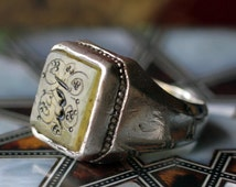 Old Iranian men's  Silver Ring with Pale Yellow Aqeeq Carneol and engraved Name of Allah