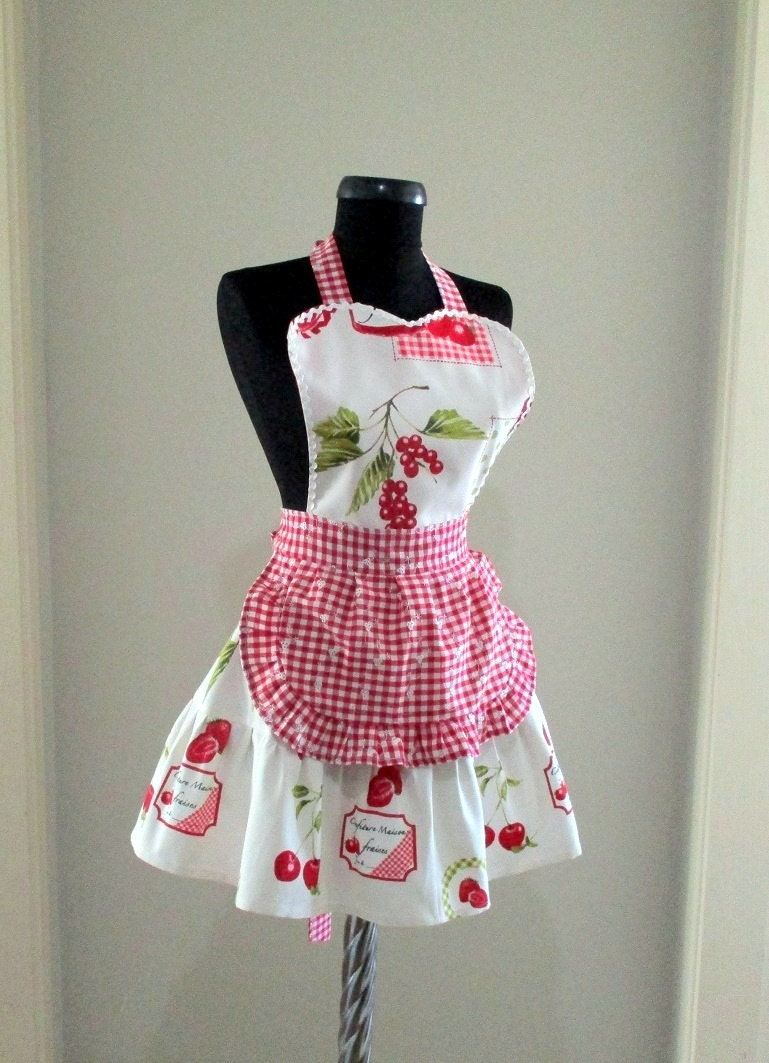 woman apron with fruit pattern and plaid full apron cute. Black Bedroom Furniture Sets. Home Design Ideas