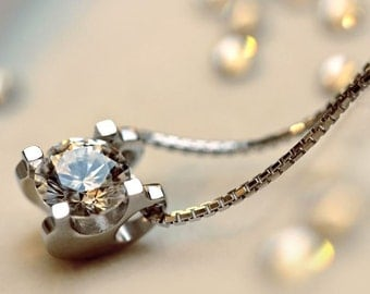 Swarovski Zircon inserted on Silvery Necklace