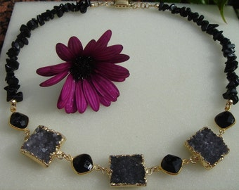 Extravagant necklace with Amethyst Druze and Onyx!