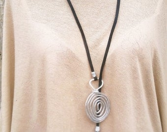 Long Lariat Necklace, 10% OFF, Hammered Spiral Pendants, Silver Lariat Necklace, Silver Spirals Necklace, Eco Black Lace, Eco Jewelry.