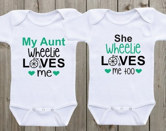 Set of 2 shirts twin outfits Aunt Onesie My Aunt loves me Baby Onesie Twin Matching Shirts  matching outfits  Baby Shower Gifts  Neutral