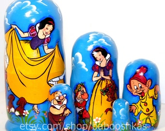 Nesting doll Snow White and the seven dwarfs
