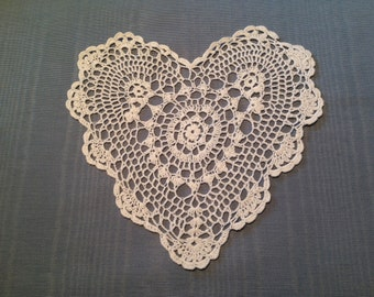 "SALE!!! 8"" heart doily,  Wedding Table Doily, White heart doily,  crochet doily, shabby chic, farmhouse chic, country cottage, clothing appl"