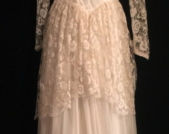 Vintage 40's Ivory Wedding Gown       VG157