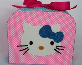 Hello kitty luggage / Hellokitty suitcase / birthday / suveniers
