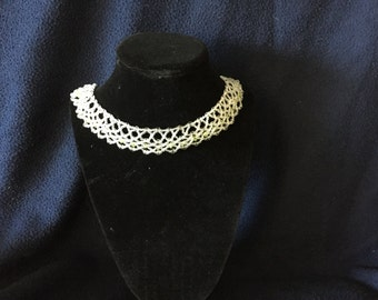Woven Netted Necklace with Peridot Chips