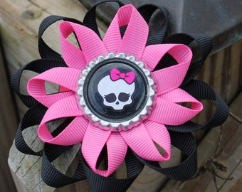 Monster High hair bow, monster high bow, girls hair bow, hair bow, bottlecap bow, PInk and black hair bow, Pink monster high bow, loopy bow