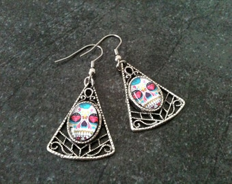 Sugar skull earrings, skull earrings, stainless steel hook, gift idea, halloween, day of the dead, skeleton