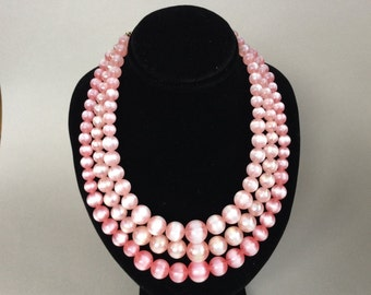 Lisner Moon Glow Beautiful Pink Lucite Bead Necklace