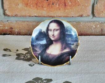 Limoge of France vintage fine porcelain small souvenir plate of Mona Lisa 'La Joconde' from Musee de Louvre