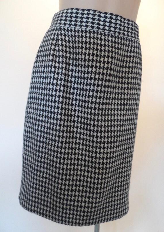 HOUSE OF MERIVALE vintage high waist, black & white houndstooth skirt - Size 12