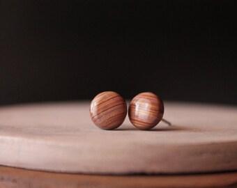 Brown and gold round studs, handmade with polymer clay, minimalist jewelry, minimalist studs, minimalist earrings, polymer clay jewelry