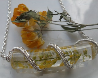 Real Flower Wire Wrapped Resin Necklace