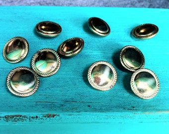 VINTAGE:1970's  Rusty Gold Buttons/Metal buttons/Sewing buttons/Embellishment buttons.{D2-120#00360}