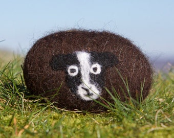 Felted soap - Zwartbles sheep, lanolin soap bar and flannel in one, naturally exfoliating and antibacterial, bathtime fun