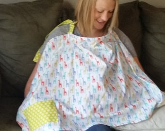 Nursing Cover in Giraffe Fabric
