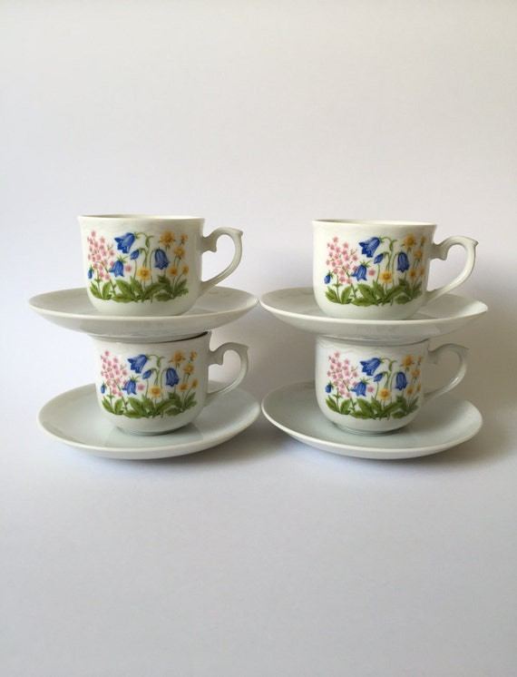 Set of 4 vintage tea cups and saucers 60s retro kitchen for 60s kitchen set