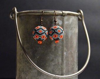 Seed bead earrings, ethnic earrings, Native American style, beadwork jewelry, Boho style, gypsy style