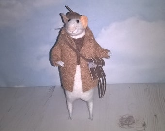 Needle Felted Little Winter Mouse With a handbag 18cm