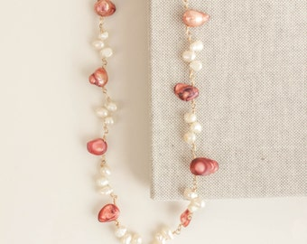 Mother pearl necklace