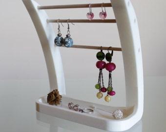 Hanger earrings / jeweler