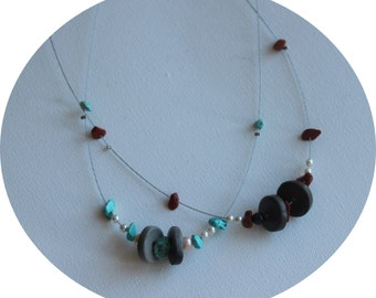 Mid-long necklace with freshwater pearls gemstone chips and terracotta pearl blue/white or black/red