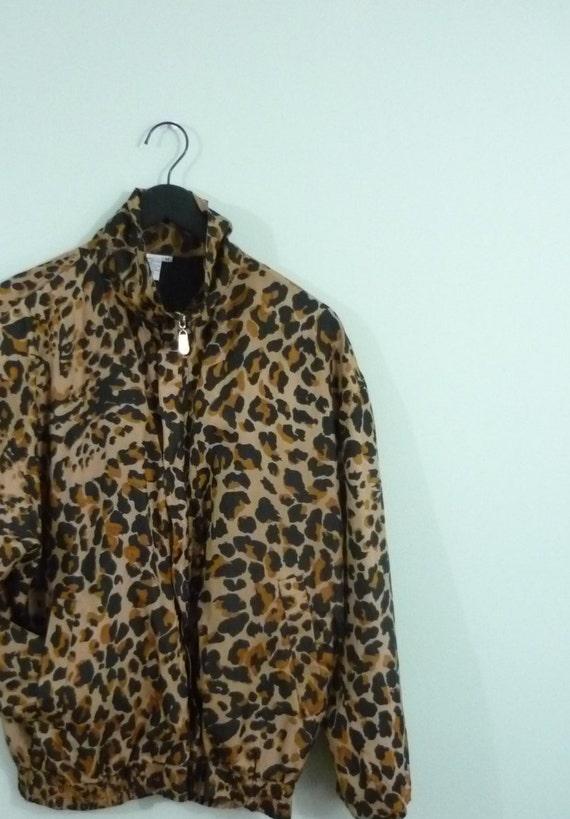 1980s Silk Leopard Windbreaker / Vintage Cheetah Bomber Jacket / Black, Tan Animal Print / Modern Size Large L to Extra Large XL