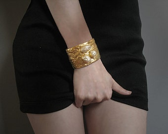 Hammered gold cuff bracelet with baroque pearls, statement jewelry, haute couture