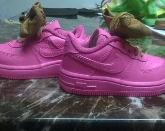 bubble gum pink nike