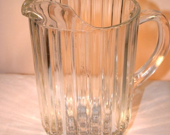 Mid-Century Clear Vertical Ribbed Pitcher//Pitcher with Ice Lip//Vintage Glass Pitcher