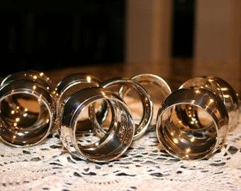 1970s Silver Plate Napkin Rings//Set of 8 Napkin Rings//Monogrammed Napkin Rings//Vintage Napkin Rings