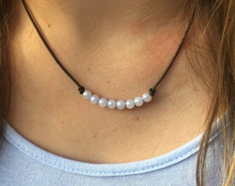 Little Pearls Leather Necklace