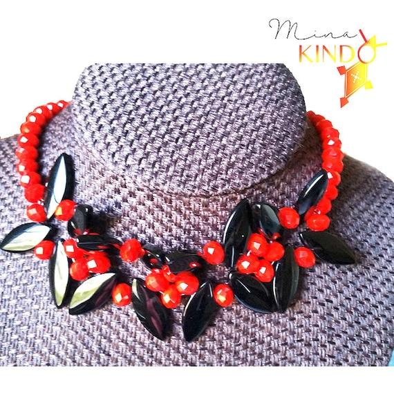 Mina Kindo red beaded necklace from Etsy