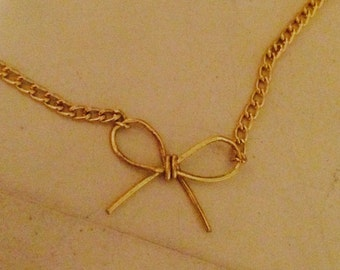 Adorable Bow Necklace - Gold or Silver