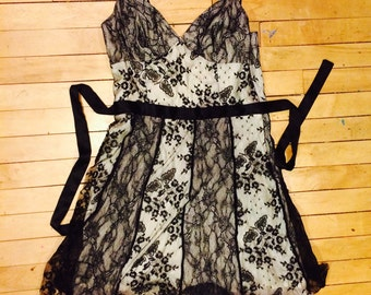 Little Lace Dress 90s