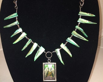 HAVE YE COURAGE Necklace-Medieval-Inspirational-Recovery-Middle Ages-Griffin-Eagle/Lion-Green Mother Of Pearl Shells