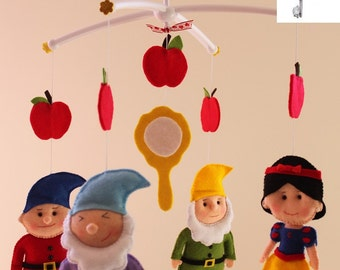 Snow White Felt Mobile,Baby Felt Mobile,Nursery Snow White Felt Doll, Kids Playroom decor Snow White and 7 Dwarfs,Disney Princess Snow white