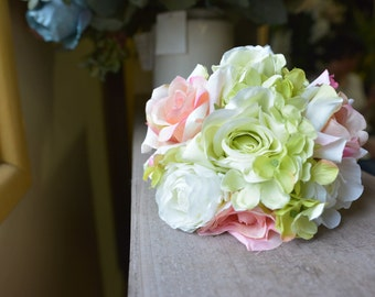 Sweet Posy Bunch in green/pink -ITEM003